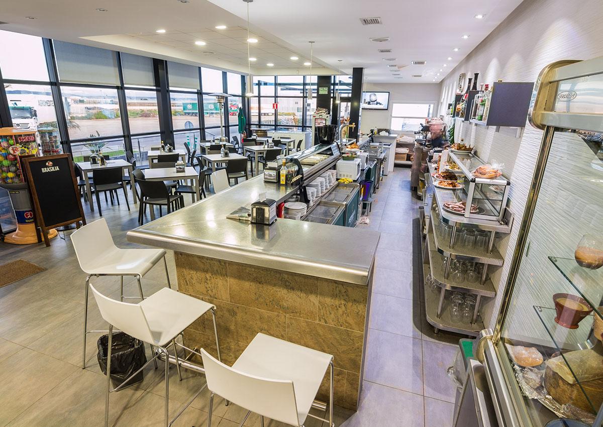 fotos-villaescusa-cerrajeria-materiales-cafeteria-agrodolores-6